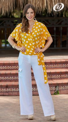 Petite Fashion Tips .Petite Fashion Tips Fashion Art, Boho Fashion, Vintage Fashion, Fashion Outfits, Womens Fashion, Petite Fashion Tips, Fashion Tips For Women, Fashion Brands, Color Combinations For Clothes
