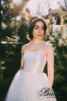 Pearls Headband, Bridal Crown, Gold Headpiece, Bridal Headband, Wedding Tiara, Bridal hairpiece- MARTA