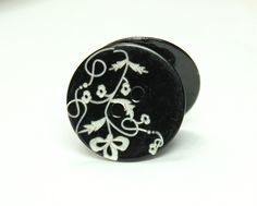 Shell Buttons - Rich Luster Flower Vine pattern Black Shell Buttons, 0.67 inch, 10 Pcs by Lyanwood, $6.00
