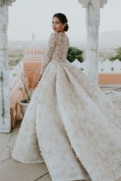 Influencer Diipa Khosla's Custom-Made Ashi Studio Gown Took Over 1600 Hours To Make Wedding Gown indian wedding gowns Indian Wedding Gowns, White Wedding Gowns, Indian Bridal Outfits, Pakistani Wedding Dresses, Long Wedding Dresses, Princess Wedding Dresses, Bridal Dresses, Indian White Wedding Dress, Indian Weddings