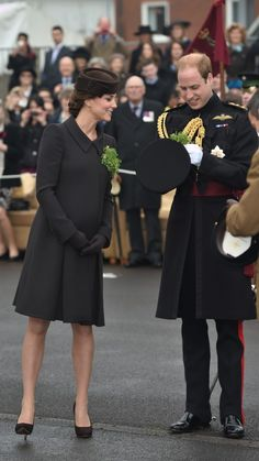 Kate Middleton Photos - Prince William, Duke of Cambridge and Catherine, Duchess of Cambridge attend the St Patrick's Day Parade at Mons Barracks on March 2015 in Aldershot, England. Princesa Kate, Princesa Real, Estilo Kate Middleton, Kate Middleton Photos, Kate Middleton Style, Catherine Walker, Prince William And Catherine, William Kate, Duke And Duchess