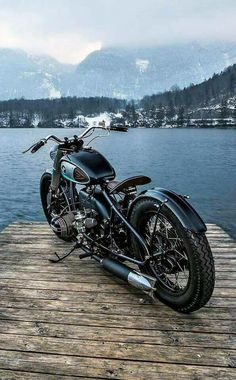 The best of vintage motorcycles Street Motorcycles, Vintage Motorcycles, Custom Motorcycles, Custom Bobber, Custom Bikes, Vintage Cafe Racer, Bmw Boxer, Cafe Racing, Bmw Cafe Racer