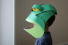 How to Make a cardboard costume – DIY Cardboard Costume, Cardboard Mask, Cardboard Paper, Chameleon Costume, Frog Mask, Mascarilla Diy, Frog Costume, Paper Mask, Carnival Masks