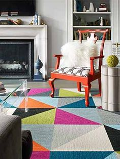 This colorful rug makes this chic living room come together perfectly! || FLOR carpet squares in Made You Look.