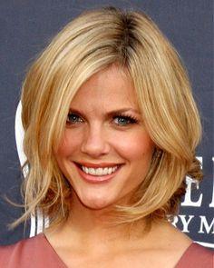 medium blonde straight coloured crop choppy bob Brooklyn Decker blonde hairstyles for women