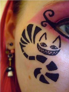 Cheshire Cat, alice in wonderland, alt makeup, creative makeup, eyeliner