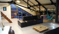 """LOFT- HANGING HAMMOCK-185 000 € A l'orée de Croix, du Parc """"Barbieux"""", dumétro, dans une résidence sécurisée et aérée, très beau loft de 80 m² environ (78.79 m² loi carrez) En rez de chaussé, belle pièce de vie, lumineuse,en angle, avec cuisine équipée,donnant sur une terrasse de type """"Tropézienne"""". Cellier et belle salle de bain. A l'étage, chambre atypique + chambre enfant. Un emplacement parking privatif.. Résidence de 136 lots dont 54 appartements- Charges annuelles de co-propriétés de…"""