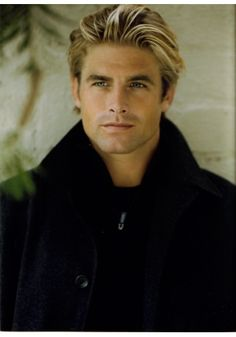 Danny F Smith as Master Holt - Club Shadowlands book series - by Cherise Sinclair Beautiful Men Faces, Gorgeous Men, Beautiful People, Danny Smith, Black Dagger Brotherhood Books, Blonde Guys, Hot Blondes, Interesting Faces, Good Looking Men