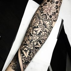 Half sleeve in 2 days! Thanks Cristian!! Done at @sacrifice.bcn #hustlebutterdeluxe #sacrificebcn #blxckink #blackwork #TTTism #blackworkerssubmission #btattooing #blacklines #thebestspaintattooartists #equilattera #blackartists #dotwork #dotworktattoo #dotworkmandala #blacktattoo #blacktattooart #blacktattoomag #onlyblackart #melowperez #geometrychaos