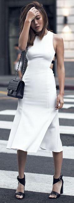 Street style | Stylish white dress, black heels and a purse