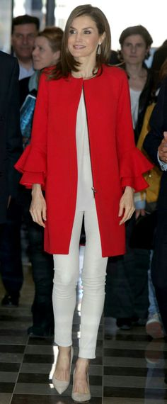 Queen Letizia - Red Zara coat with long sleeves and frilled cuffs detail - white Uterqüe pants - Magrit pumps - Tous earrings