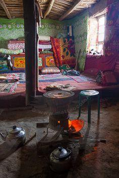 Folklorique: The taste of Petrol and Porcelain | Interior design, Vintage Sets and Unique Pieces www.petrolandporcelain.com Traditional Kyrgyz yurt . Kyrgyzstan