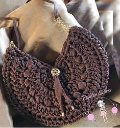 Bom de crochê em fio de malha Crochet Wallet, Crochet Tote, Crochet Purses, Knit Crochet, Crochet Purse Patterns, Vintage Crochet Patterns, Crochet Circles, Crochet Round, Handmade Handbags