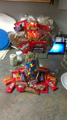 Candy bouquet. Justin would love this! I may just do it for his birthday next month!
