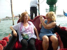 Les Princeses Mizar i Alcor, en góndola per Venezia, des de la Piazza San Marco.