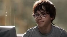 Sid without hat, messy hair. That also feels very Dan, having messy hair. Skins Generation 1, Mike Bailey, Skin Aesthetics, Ugly Love, Skins Uk, Indie Kids, Male Face, Baby Daddy, Face Claims