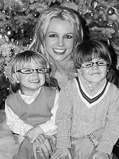FAVORITE picture of @Britney Spears & her boys. LOVE LOVE LOVE her