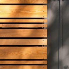 garden fence Fence Landscaping, Backyard Fences, Garden Fencing, Landscaping Contractors, Contemporary Landscape, Contemporary Decor, Contemporary Building, Contemporary Cottage, Contemporary Gardens