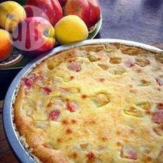 Nectarine Pie ~ A different type of pie and very good! cup white sugar 4 tbsps all-purpose flour tsp ground cinnamon 1 cup heavy whipping cream tsp almond extract 5 nectarines, peeled and sliced 1 unbaked pie shells inch) Nectarine Pie, White Nectarine Recipes, Pie Recipes, Dessert Recipes, Recipies, Pie Shell, Crumble Topping, Ober Und Unterhitze, Fruit And Veg