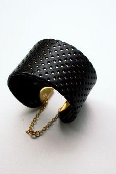 Bracelet cuir ajouré sur laiton ,CLARA DS. Jewels by Clara de Souza
