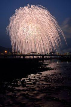 Fireworks at Abekawa by Mika via Flickr