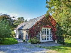 Hawthorn Cottage, Drefach Felindre, South Wales and Pembrokeshire, Wales, Sleeps 4, Bedrooms 1, Self-Catering Holiday Cottage with Woodburner.
