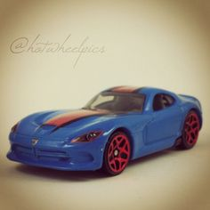 "#203 - 2013 SRT Viper - 2014 Hot Wheels HW Workshop ""Garage"" #hotwheels | #diecast | #Dodge | #Viper"