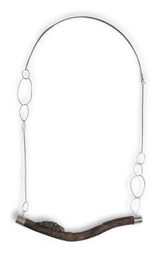Collaret de plata, fusta i pedra pirita - Collar de plata, madera y piedra pirita