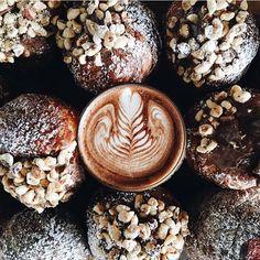 Coffee goals this morning #Goodmorning #coffeetime #coffeeaddict #Thursdays #Bblogger #lblogger #fblogger #UKblogger #youtuber #yolo #inspiration #instadaily #instamood #foodporn #foodie #christmastime #vlogmas #chocolate