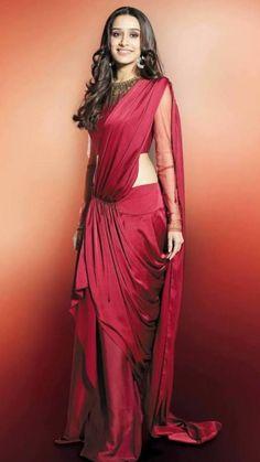 Shraddha Kapoor in Red Hot ❤️🤤 Indian Celebrities, Bollywood Celebrities, Bollywood Actress, Shraddha Kapoor Saree, Priyanka Chopra, Deepika Padukone, Indian Star, Indian Ethnic, Bollywood Stars