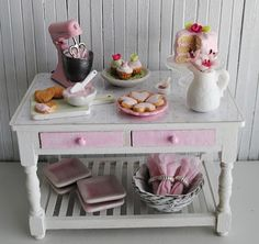 Bakery Miniatures - Little Things by Anna - http://www.etsy.com/shop/littlethingsbyanna