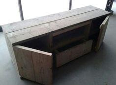 tv-meubel van steigerhout.  Nekijk ons volledig portfolio via:  www.facebook.com/DeJongVintageDesign of vraag vrijblijvend een offerte aan via: DeJongVintageDesign@Gmail.com