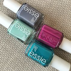 New blogpost on Essie spring collection