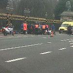 Aanslag aan Koningklijk Paleis met gewonden. #laken: http://twitpic.com/8vptje