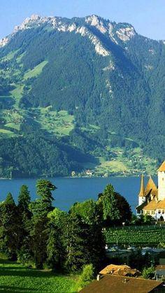 The beautiful Bernese Alps and Lake Thun in Spiez, Bern, Switzerland • photo: teknoclick on Flickr