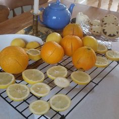 Oranges and lemons...Christmas Dec's. ..#christmastime #christmasdecorations #dryingoranges #festivefun #chritsmas #crafts