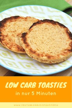How to make low carb toasties yourself in 5 minutes! - Traffic Wie du Low Carb Toasties in 5 Minuten selber machst! – Staupitopia Zuckerfrei How to make low carb toasties yourself in 5 minutes and revolutionize your low carb breakfast! Low Carb Dinner Recipes, Low Carb Desserts, Healthy Recipes, Easy Recipes, Low Carb Bread, Low Carb Keto, Low Carb Breakfast, Breakfast Recipes, Menu Dieta Paleo