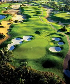 Reunion Golf Resort, Arnold Palmer's Legacy Course in #Orlando, #Florida ~ Located at Reunion Resort, with 3 signature courses on-site.  Both challenging & beautiful, Palmer's 6,916-yard Legacy #Golf Course is highlighted by expansive waste areas, strategically placed bunkers & generously wide fairways. Utilizing a combination of natural terrain with mature trees, pristine natural preserve & extensive landscaping, The Legacy provides a varied menu of shot-making opportunities across all 18…