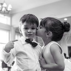 Adorable ring bearer and flower girl picture idea!!