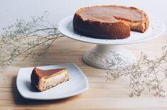Cheesecake de Doce de Leite http://www.cozinhadalbo.com.br/2015/01/cheesecake-de-doce-de-leite/