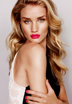 A fun pink lip is the perfect beauty trend to rock with a tan for the summer!