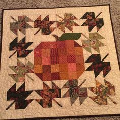 Sewing Block Quilts Farm Girl Patchwork Pumpkin and Scrappy Maple leaf blocks. I'm getting ready… - Hanging Quilts, Quilted Wall Hangings, Small Quilt Projects, Quilting Projects, Fall Sewing, Halloween Quilts, Fall Quilts, Miniature Quilts, Nine Patch