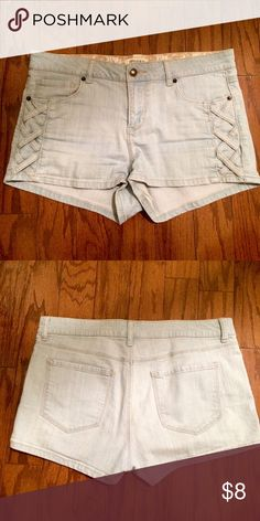 Forever 21 Light Blue Denim Shorts Forever 21 Light Blue Denim Shorts with a cute lace design on the sides. Comfortable and good as new Forever 21 Shorts Jean Shorts