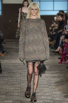 http://www.vogue.com/fashion-shows/fall-2016-ready-to-wear/no-21/slideshow/collection