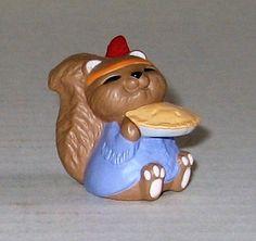 """1993 Hallmark Merry Miniature """"Indian Squirrel"""""""