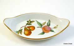 Two ROYAL WORCESTER EVESHAM Dishes Porcelain Augratin Fireproof Baking Dishes  Oven To Tableware Royal Worcester Evesham Augratin Dishes