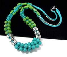 """BEAUTIFUL CHUNKY SILVER TONE 26.5"""" BLUE & GREEN GLASS BEAD NECKLACE"""