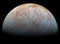 Superfície de Europa, a lua gelada de Júpiter  Imagem capturada pela sonda Galileo, da Nasa, no final dos anos 1990
