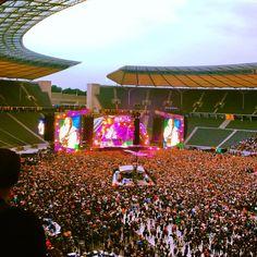AC/DC, dirty deeds done in Berlin, summer 2015. #berlin #olympiastadion #konzerte #liveinconcert #openair #acdc #rockagram #rocknroll #livemusic #stadiumrock #hardrock #germany #leidseplein #highvoltage #tnt #backinblack #highwaytohell #dirtydeeds #malcolmyoung #angusyoung #philrudd #thunderstruck