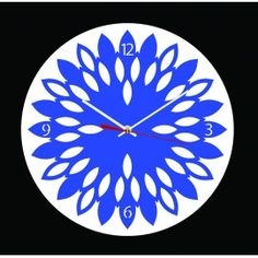 """L'horloge """"Tournesol"""" est une horloge murale révélant un cadran d'aspect floral non sans rappeler les pétales de la fleur du soleil. Cette horloge en PMMA (plexi), découpée au laser est équipée d'un mouvement à quartz précis ultra silencieux, de deux aiguilles, d'une trotteuse et d'un crochet de suspension. Plusieurs couleurs disponibles."""